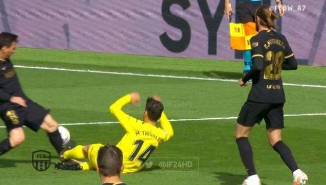 【西甲】比利亚雷亚尔球员断腿式滑铲梅西!埃梅里子弟兵差点断了巴萨冠军梦